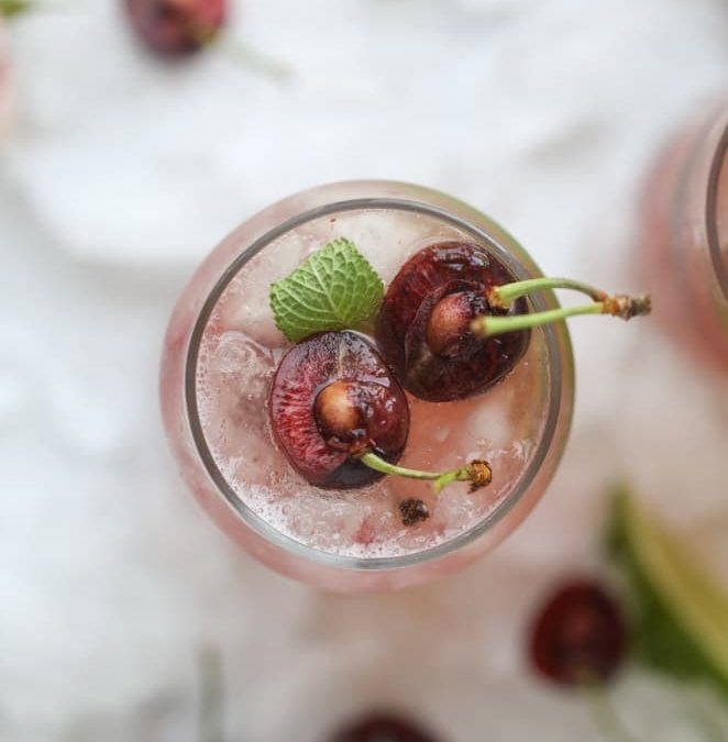 10 Summer Cocktails with Fresh Fruit